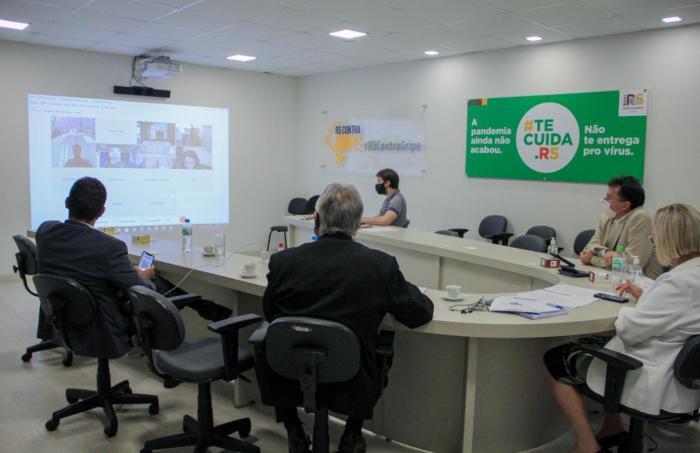 Imagem ilustrativa da notícia: Vacinação, ensino híbrido e transporte escolar pautam primeiro dia de Diálogos Virtuais com os municípios e governo do RS