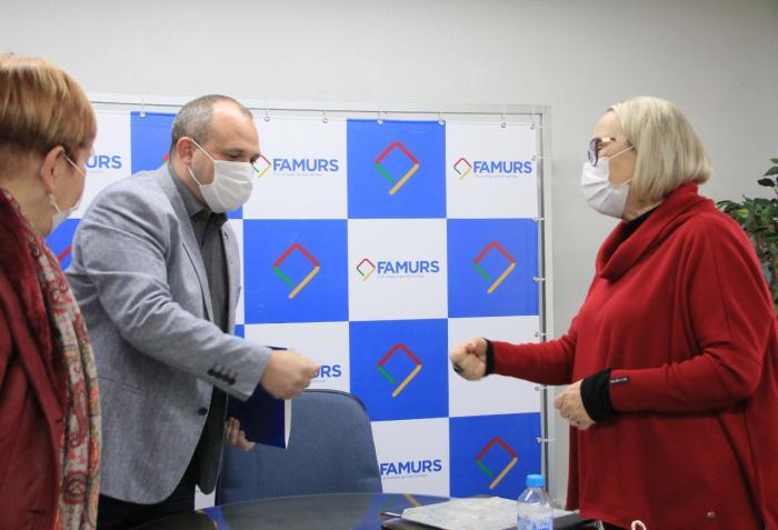 Imagem ilustrativa da notícia: Presidente Eduardo Bonotto anuncia criação de Comitê Covid durante reunião com secretária Arita Bergmann