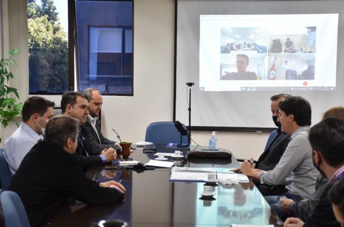 Imagem ilustrativa da notícia: Famurs e gestores debatem estratégias para viabilizar obra de ponte sobre o Rio Uruguai
