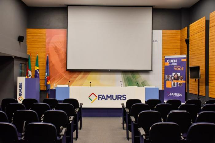 Imagem ilustrativa da notícia: Famurs disponibiliza Auditório Alceu Collares para locação